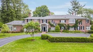 1906 Huntington Bay house lists for $2.395 million | Newsday
