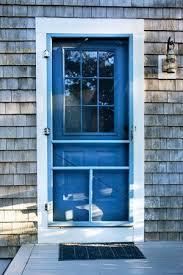 choosing and installing a screen door