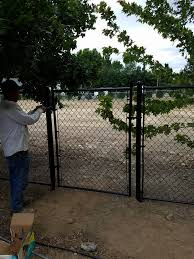 Cortez Fencing 5ft Black Chainlink Fence With Top Rail Facebook