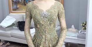 Model crop top brokat dengan rok. 49 Model Baju Brokat Paling Lengkap Di Indonesia