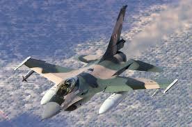 Файл:Venezuelan Air Force General Dynamics F-16A Fighting Falcon (401) Lofting.jpg