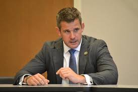 Rep. Kinzinger talks health care, politics   The Herald-News
