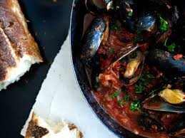 Steamed Mussels with Tomato-and-Garlic ...
