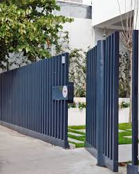 Bright Transparency Defining Long And Narrow Residential Lot Freshome Com Modern Fence Design Fence Design Modern Fence