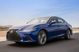 "2019 Lexus ES: Why Lexus ""Gets"" Luxury - Autotrader"