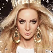 Mulher coroada - PicMix