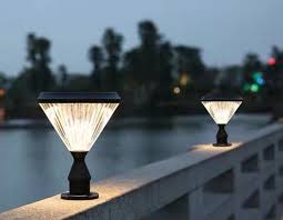 China New Design Decoration Outdoor Light Solar Fence Lights Photos Pictures Made In China Com