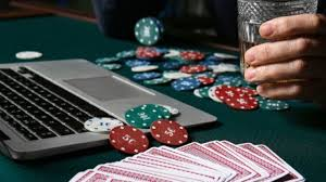 Tips Menggunakan Chips Maksimal Bermain Poker Play303