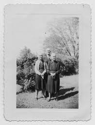 Photograph of Eleanor Smith Bayne, Charles Stewart Vining, and Hattie Smith  Vining] - The Portal to Texas History