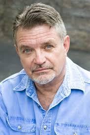 Don Oscar Smith as Larson Sr. | Better Half
