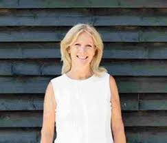 DT1: Poundbury dentist raises mouth cancer awareness   Dorset Echo