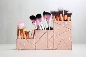 make your own makeup brush organizer