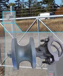 Chain Link Fence Parts 3 Or 4 Cantilever Roller For Chain Link Gate