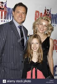 Kevin McCollum, Lynette Perry, and their daughter Opening night of Stock  Photo - Alamy