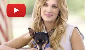 carrie underwood loves makeup and america