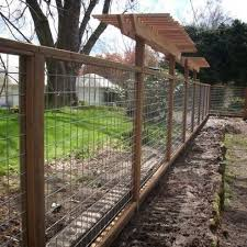 Hog Wire Landscape Design Ideas Pictures Remodel And Decor Modern Landscaping Fence Design Hog Panel Fencing