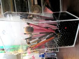 gl makeup brush holder with lid