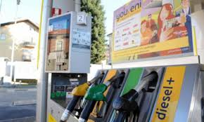 Sciopero benzinai dall'11 al 14 dicembre - Libero Quotidiano
