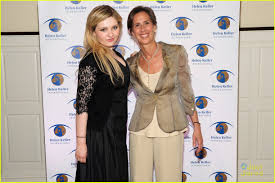 Abigail Breslin Speaks at Spirit of Helen Keller Gala 2014: Photo 678703 |  Abigail Breslin Pictures | Just Jared Jr.