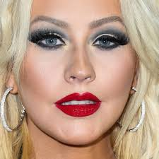 christina aguilera s makeup photos