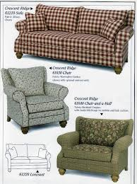 love this burdy checd couch
