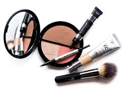 how the founder of it cosmetics went