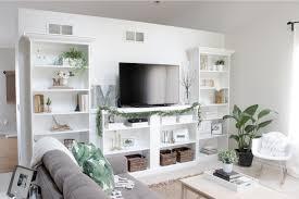 contemporary built in shelves