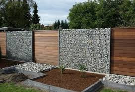 15 Marvelous Ideas To Decorate Stone Fence In The Backyard Thegardengranny