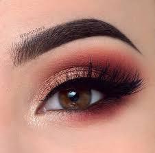 makeup tutorial for gold dress