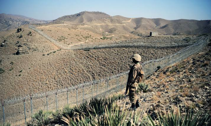 د پاکستان پوځ: په نهه سوه کیلومتره کرښه اغزن تار لګول شوی، پاتې روان کال بشپړیږي