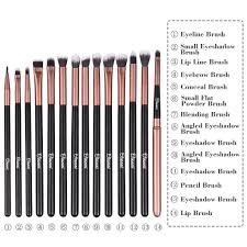 how many diffe kinds of makeup brushes