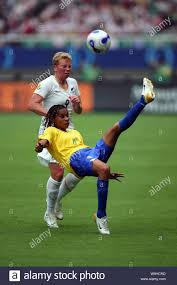 Tania of Brazil, front, competes with Wendi Henderson of New Zealand during  a Group D match of the 2007 FIFA Women World Cup in Wuhan, central Chinas  Stock Photo - Alamy
