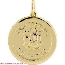 9ct gold 22mm round zodiac disc pendant