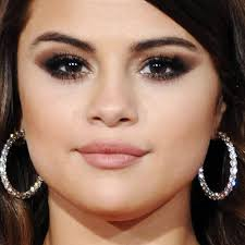 selena gomez makeup black eyeshadow