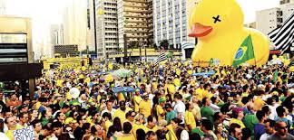 Folha pede que você use roupas amarelas em nome do que o jornal ...