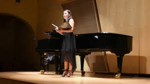 Liliana Smith. soprano en Jardin Borda - YouTube