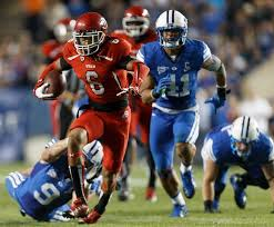 Dres Anderson runs away from BYU. (Trent Nelson   The Salt Lake ...