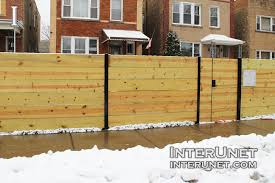 Horizontal Boards Wood Fence On Steel Posts Interunet