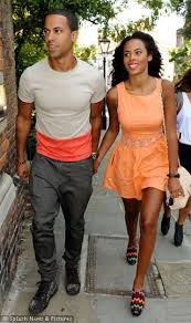 Rochelle is a woman of beautiful proportions. Boyfriend Marvin Humes must  know he's a lucky man.Marvin-Humes-an… | Rochelle wiseman, Rochelle humes,  Marvin humes