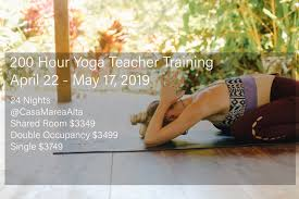 200 hour yoga teacher in costa