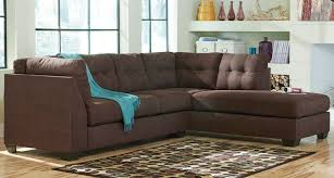 benchcraft maier sectional with right