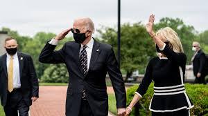 Joe Biden, Wearing Mask, Appears in Public at a Veterans Memorial - The New  York Times