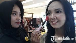 pengaplikasian daily makeup