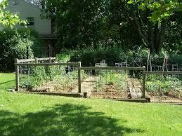 Pin By Karen Freeman On Yard Ideas Fenced Vegetable Garden Cheap Garden Fencing Small Garden Fence