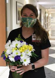 Nurse Miriam Smith honored with DAISY Award at Parkwest Medical Center