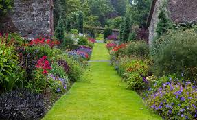 garden borders using repetition