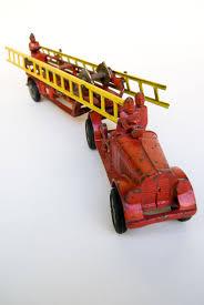 antique cast iron fire truck hubley 14