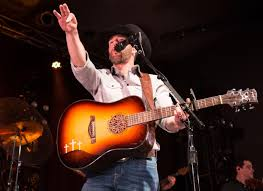 Aaron Watson puts on heartfelt, country show at Bourbon | Culture |  dailynebraskan.com