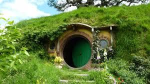 Una replica della casa di Bilbo Baggins in affitto su AirBnB ...