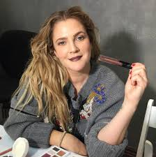 drew barrymore on 90s brows flower